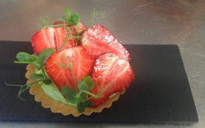 Tartelette crème pâtissière aux petits pois, fraises