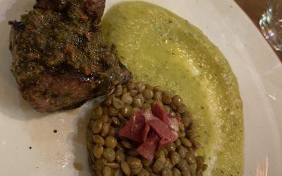 Noisette d'agneau, mousseline de courgettes & lentilles